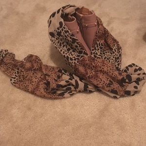 Accessories - Leopard sheer scarf